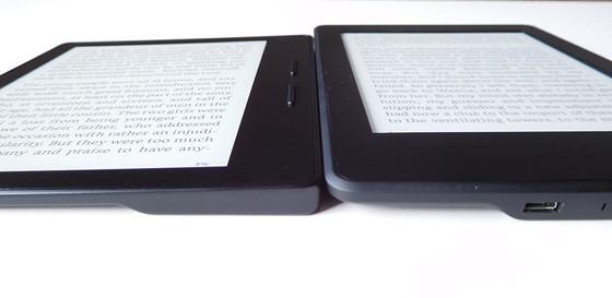 Kindle Oasis vs Kindle Paperwhite Side